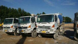 HINO betonblander lastbil